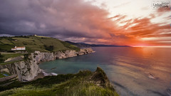 Playa Itzurun (Estepi) Tags: ladoscuro itzurun flysch playa zumaia beach sunset