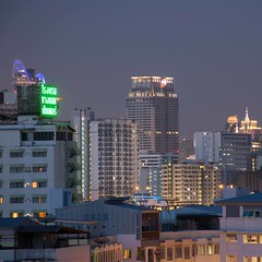 DSC_3645 (Ignacio Blanco) Tags: thailand night skyscrapers lights cityscape lighttrails riverviewguesthouse chaophrayariver buildings boats sunset dark bangkok chinatown vantage streetphotography