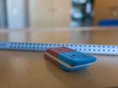 Eraser (Peter L.98) Tags: tisch unscharf stift radiergummi
