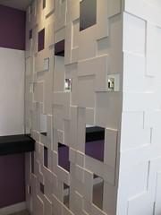 makstudio-arquitetura-apartamento-anastacio2-roupeiro (makstudio2015) Tags: makstudio arquiteturainteriores apartamentopequeno roupeiroescondido armarioescondido marcenaria aparador despensa detalhemaderia espelho painelcomespelho painelmadeira espelhoquadriculado quadrados