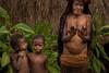 Dani's Woman with Amputated Finger (tehhanlin) Tags: indonesia papua westpapua wamena irianjaya jayapura thedanis sukudani ikipalin noken koteka sony a7r2 a7rm2 ngc travel humaninterest portrait festival baliemvalley lembahbaliem