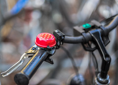 Strawberry Fields for ever (*Capture the Moment*) Tags: 2016 bern berne bicycle bikebell bokeh citytrip citywalk fahrrad fahrradklingel fotowalk minimalism minimalismus vintage bokehlicious