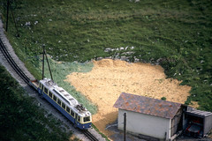 Rochers-de-Naye   CH-VD (Vaud)   22.09.1980   MGN-ABhe 2/4 205(?) (Kurbelwelle) Tags: bahnen bahnenchschweiz chmgn chschweiz eisenbahn elektrischetraktion europa länder triebwagen rochersdenaye chvdvaud ch
