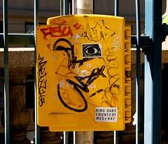Manhattan Bridge-Eye (plutohead) Tags: nyc dumbo manhattanbridge graffiti gothamist