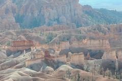 0630_USA 2012 - Utah 12 (Scenic Byway 12) - Bryce Canyon National Park / Utah (Tsinoul) Tags: park cliff sunrise utah nationalpark nikon rocks nationalforest hoodoo bryce brycecanyon parc dixie amphithtre brycecanyonnationalpark scenicbyway queensgardentrail dixienationalforest sunrisepoint queensgarden paroi parcnational scenicbyway12 utah12 d300s nikond300s utah63