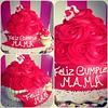 Giant Cupcake  solo en #sweetcakesstore #lecheria #cupcakery #cupakes #giantcupcake #girly #bakery #yummy #delicious #cakes #photooftheday #3000followers (Sweet Cakes Store) Tags: cakes giant square de cupcakes yummy y venezuela mama dia tienda cupcake squareformat rosas gigante madre tortas fiz lecheria ponque sweetcakes ponques iphoneography instagramapp xproii uploaded:by=instagram sweetcakesstore sweetcakesve