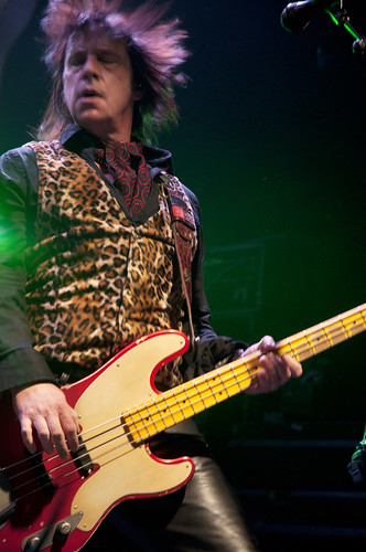 "Jimmy ""two fingers"" Ashhurst - Buckcherry"
