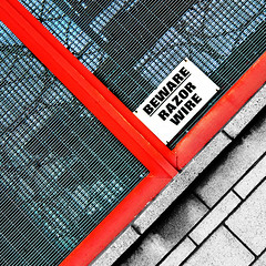 beware (fotobananas) Tags: red fence square wire beware friday razor hff speke s95 artlegacy fotobananas