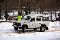 Landrover Police Vehicle (Lee Collings Photography) Tags: snow transport police transportation emergency landrover filming lawenforcement filmcrew policecars emergencyservice policevehicles crimeprevention westyorkshirepolice policetransport lawenforcers policelandrover emergencyservicevehicles landroverpolicecar emergencyservicetransport landroverpolicevehicle