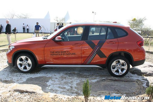 2013-BMW-X1-Launch-04