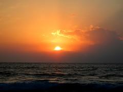 Sunset 2013-02-17 (kahunapulej) Tags: ocean sunset sky usa sun water clouds island hawaii big pacific kona kailua kahunapulej kahunapule