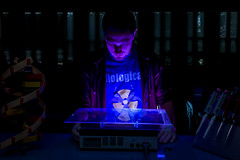 Eric Hendrix (EIU) Tags: illinois student lab university science charleston blacklight dna lighttable biology sciences scientist uvlight eiu easternillinoisuniversity labratory biologicalsciences lifesciencesbuilding jaygrabiec erichendrix