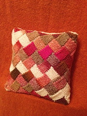 IMG_2836 (jessie is skoopy) Tags: tricot knit craft pillow imadethis entrelac