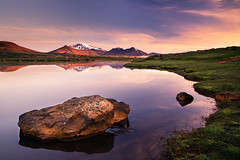 upland moor II (Dennis_F) Tags: sunset summer sun mountain reflection nature water colors beautiful grass clouds landscape island licht iceland high wasser europa europe sommer natur north norden wolken midnight grn polar moor tarn landschaft sonne isle spiegelung midnightsun farben vulkan abends vulcanic snaefell islandic