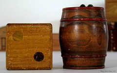 SPAREN EN BEWAREN || SAVING AND COLLECTING (Anne-Miek Bibbe) Tags: wood nederland february hout kubus februari moneybox doosje spaarpot woodenbox 2013 bibbe annemiekbibbe tonnetje houtendoosje