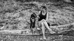 Girl & Dog (kornflakezzz) Tags: people leute menschen girl frau hund dog animal beach strand b sw black white schwarz weis moment sony alpha a57 sigma
