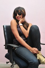 South Actress SANJJANAA Photos Set-10 (8)