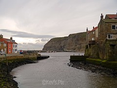 Roxby Beck,Staithes-21 (Kev's.Pix) Tags: staithes roxbybeck seaside coast coastline northernengland northyorkshire beck eastcoast eastcleveland cliffs harbour
