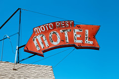 Moto Rest Motel (TooMuchFire) Tags: motel motels sign signs neon vintage americana tulare california retro 805sksttulareca motorestmotel vintagesigns vintagesignage vintageneonsigns vintageneonsign vintagesign oldsigns oldneonsigns oldmotels arrowsigns arrow arrows signage typography rusty crusty