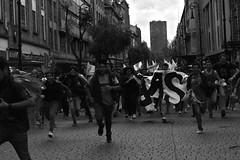 (biadeli) Tags: greve marcha blackandwhite street cdmx mexico running run people students estudiantes correr periodismo journalism blancetnoir tudiants rue centreville courrir