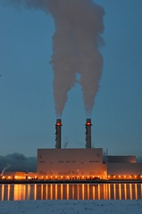 Smokin' - Portland Energy Centre, natural gas electrical generating station (shireye) Tags: toronto ontario cold ice reflections frozen nikon smoke smokestacks lakeontario wi smokin ter southriverdale portlands keatingchannel d7000 portlandenergycentre naturalgaselectricalgeneratingstation