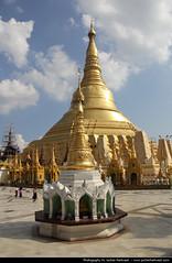 Shwedagon Paya, Yangon (JH_1982) Tags: travel travelling canon religious eos pagoda buddha shwedagon yangon burma buddhist religion buddhism exotic myanmar traveling paya spiritual tamron birma rangoon 18mm birmanie birmania 270mm myanma 미얀마 rangun 60d mjanma jochenhertweck ประเทศพม่า