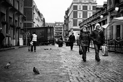 The Feeling's Mutual (stephen cosh) Tags: life street city england people blackandwhite bw london sepia mono town candid streetphotography rangefinder reallife humancondition blackandwhitephotos 50mmsummilux blackwhitephotos leicam9 stephencosh leicammon