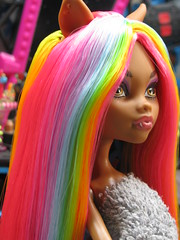 how do you curl monster high doll hair