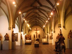 Bavarian National Museum in Munich - Medieval gallery (Sokleine) Tags: museum germany bayern deutschland bavaria gallery arches medieval muse allemagne middleages bavire bayerischesnationalmuseum