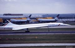 "Concorde ""Königin der Lüfte""…hebt langsam ab (irisisopen ☼the seeker☀︎) Tags: england london film analog start reisen nikon europa kodak britain heathrow great concorde motive farbe f501 diafilm"