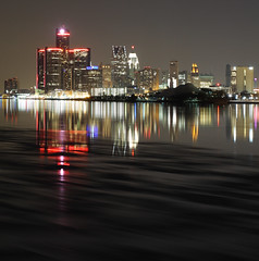 Detroit Red (Notkalvin) Tags: longexposure red night reflections michigan detroit le detroitriver belleisle iceflow rencen renaissancecenter motown motorcity gmbuilding notkalvin
