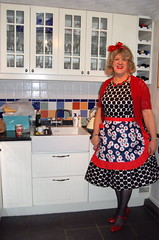 Back in the kitchen (Jenny Turner) Tags: ruffles feminine apron lacy housewife prettygirl frilly hausfrau frills housemaid kchenschrze aproned maidsdress housewifeapron rschenschrze