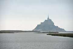 Le Mont St-MIchel (Anna Sakin) Tags: history nature rock architecture bay lowtide magical lemontstmichel themarvelofthewesternworld unescosworldheritagelist1979 lowwatre