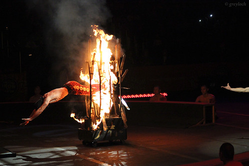 fire washingtondc circus dragons martialarts kungfu acrobat ringlingbros 2013 verizoncenter