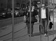 Oxford Images (Clive Jones Photography) Tags: people urban monochrome reflections candid streetphotography documentary oxfordshire reportage blackandwhitephotography urbanphotography oxforduk nikond300 theoxonian