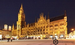 The New Townhall (jan-krux photography) Tags: city travel architecture germany munich rathaus frauenkirche marienplatz e5 neuesrathaus zd newcityhall 714mm