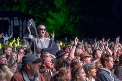 2016_Ian Nelson_Fri (9) (Larmer Tree) Tags: iannelson friday 2016 crowd shoulders audience handsintheair mainlawn