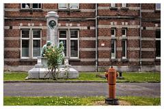 La Bonne Maison de Bouzanton (Gretsch*) Tags: leicam240 leicasummicron35mmf20asph mons belgique belgium