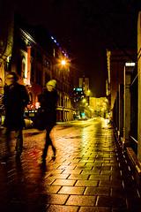 Oslo p kveldstid, ved Rdhuset (Bymiljetaten) Tags: belysning bruker folk fotgjenger gate gatebelysning gatelys kveld lys menneske mennesker mrke mrket oslordhus person personer sikkerhet trygg trygghet