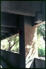 The pillar of the parking. (FreezerOfPhotons) Tags: olympus35sp konica160procolorfilm homec41 unicolorc41