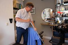 DSCF6585.jpg (amsfrank) Tags: people rivierenbuurt candid amsterdam maasstraat rien klok kapper hairdresser