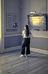 Courtauld Gallery, London (Snapshooter46) Tags: courtauldgallery london artgallery woman oilpainting people viewer dualtone