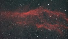 NGC1499 - California Nebula (DeepSkyDave) Tags: astrophotography astrofotografie astronomy astronomie night sky nacht himmel stars sterne deepsky cosmos kosmos natur nature long exposure langzeitbelichtung low light wenig licht canon eos 6d astrodon mod astrometrydotnet:id=nova1741863 astrometrydotnet:status=solved