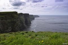 Aillte an Mhothair - Cliffs of Moher (Lux) Tags: samsungnx2000 samsung nx2000 fogliluca lux76 nobrainstudio trip ontheroad wild ireland eire irlanda irish land green