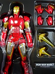 Kaiyodo  Sci-Fi Revoltech  Series No. 042  Avengers  Iron Man Mark VII  Close Up (My Toy Museum) Tags: kaiyodo revoltech sci fi iron man mark mk 7 vii action figure avengers