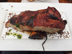 "Montevideo: ribs miel, moutarde, gingembre, vin blanc, avec potirons, navais, betteraves et petites patates <a style=""margin-left:10px; font-size:0.8em;"" href=""http://www.flickr.com/photos/127723101@N04/29459317530/"" target=""_blank"">@flickr</a>"