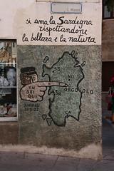 Tu sei qui (Olivier Monbaillu) Tags: monbaillu canon eos7d murales peinturesmurales murals orgosolo orgsolo barbagia barbgia sardegna sardaigne sardinia italia italie italy