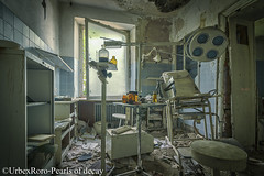 """Hi im dr.D.K, how can i help you?"" (rondelezromario) Tags: urbex uban decay decayed doctor abandoned nikon nikond7000 nikonphotography nikonworld nikonabandoned tokina1116"