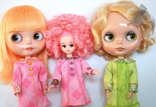 We are so happy today! Mango,Candy and Saffy enjoy the Vintage inspired goodness.