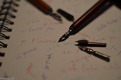 Belle plume (nebajmeta14) Tags: 35mm nikon noir amour belle what else write et blanc couleur encre plume ecriture cahier ecrire 18g d5100
